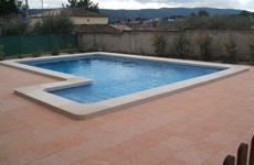 Acabados de hormigón en terrazas para piscinas